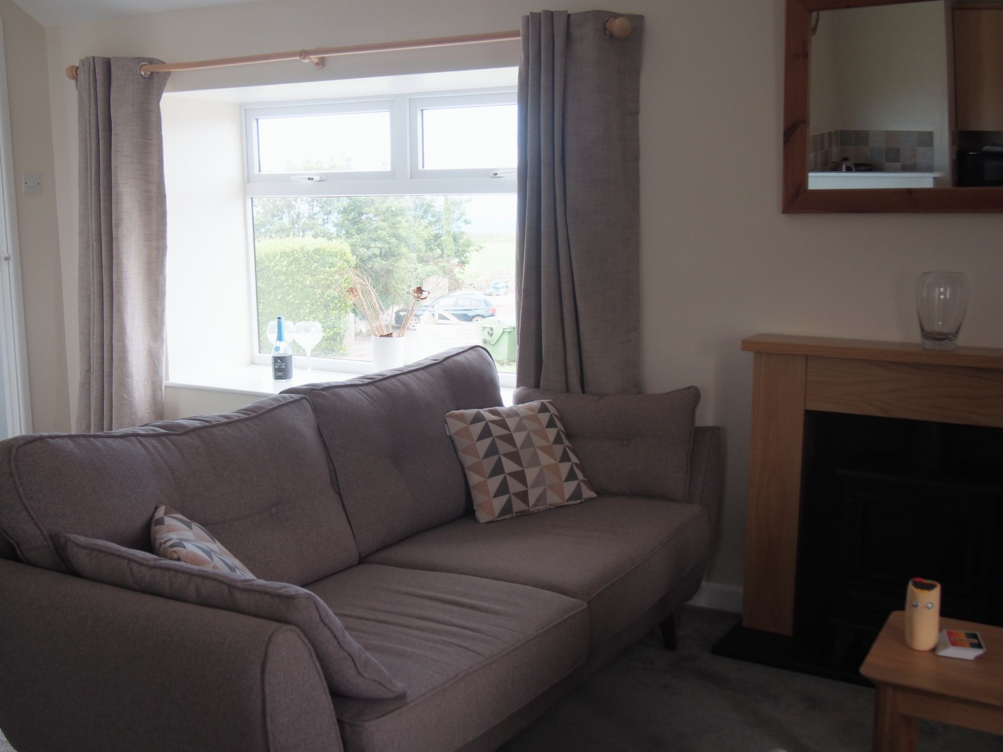 Trevalgan Farm - The Hayloft - Living room