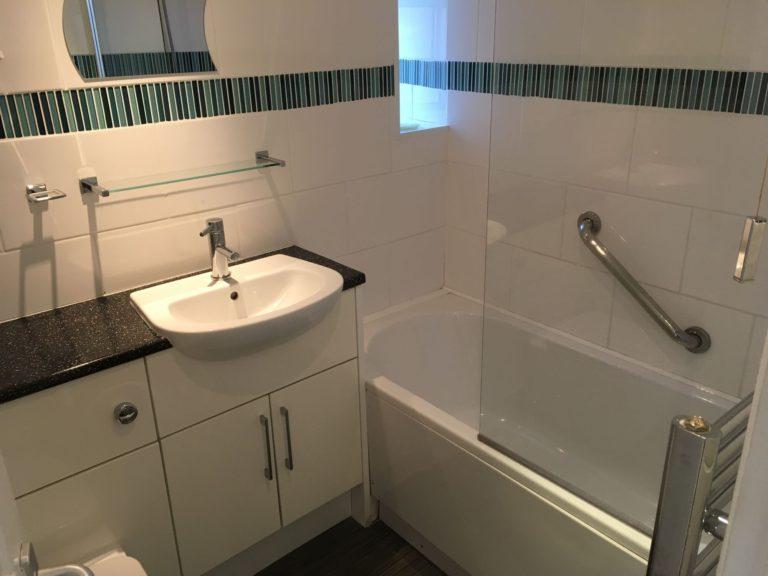 The Parlour - Bathroom