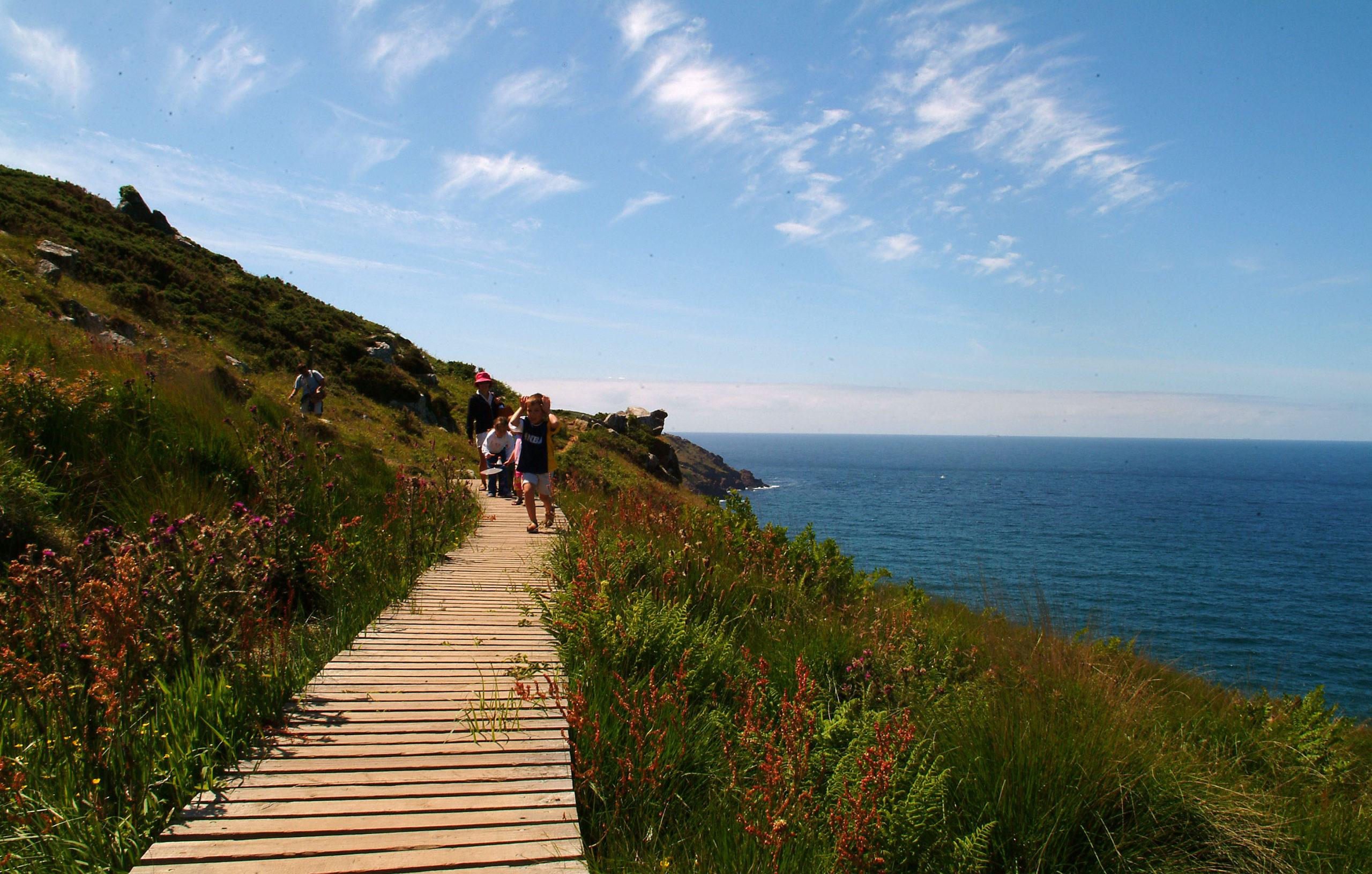 Trevalgan Farm - Coastal walks